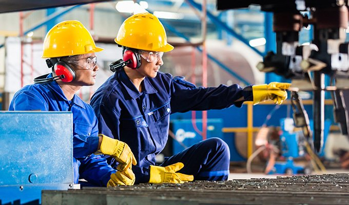 Safety Equipment Manufacturers: Choose the Right PPE